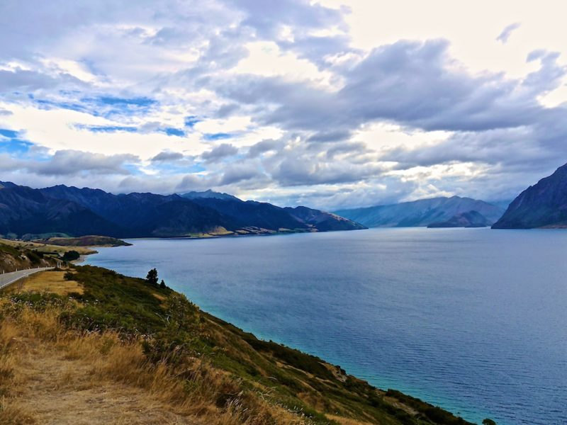 must see places in New Zealand,lake Hawea